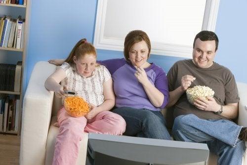 Genetische Adipositas: Familie mit Übergewicht