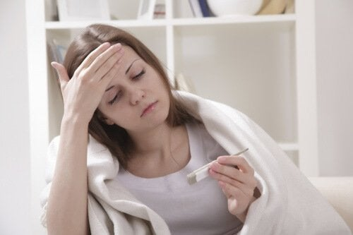 Fieber ist ein Symptom bei Infektiöse Mononukleose.