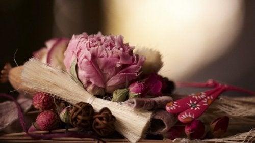 Frischer Duft mit Trockenblumen