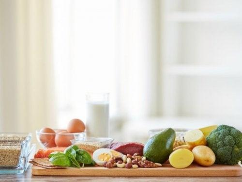 Wie funktioniert intermittierendes Fasten mit gesunder Ernährung