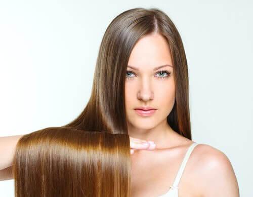 Kalte Duschen sind gut für glänzende Haare