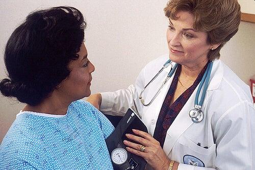Knoten im Rachen müssen richtig diagnostiziert werden