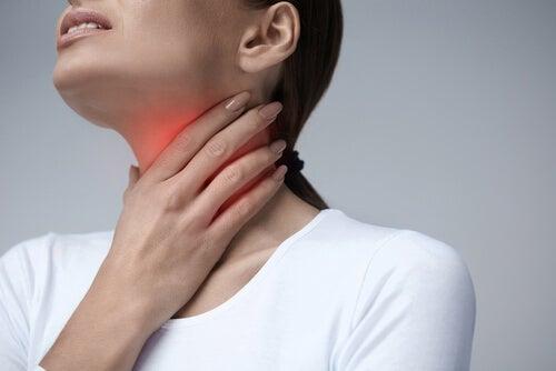 Knoten im Rachen entstehen aufgrund von körperlicher Ermüdung