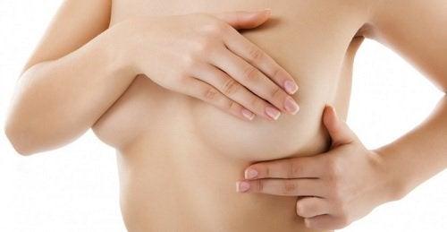 Kurkuma in der Menopause reduziert Brustschmerzen und das Risiko für Brustkrebs