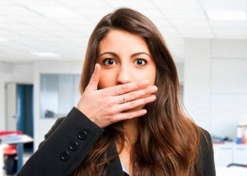 Mundgeruch als Anzeichen für eine Darmkrankheit