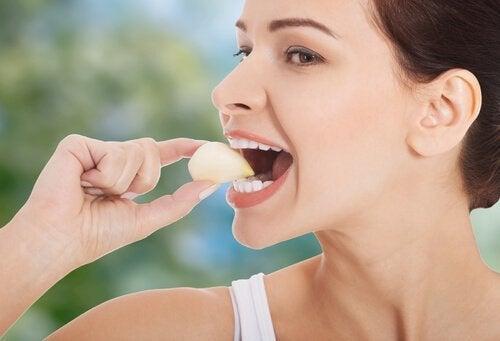 Knoblauch und andere Naturprodukte gegen Bluthochdruck