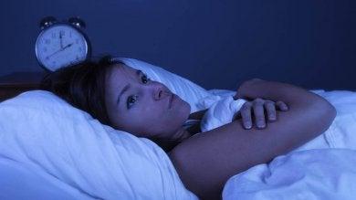 Aufstehen, wenn wir in den frühen Morgenstunden aufwachen