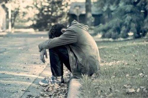 Ständige Angst hält dich davon ab, glücklich zu sein. Toxische Freundschaften.