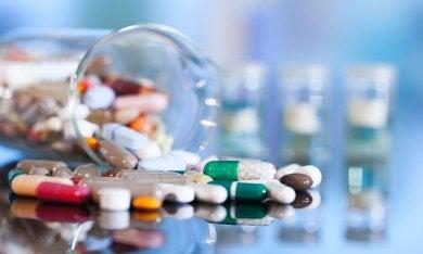 Bestimmte Medikamente können vaginale Trockenheit hervorrufen.