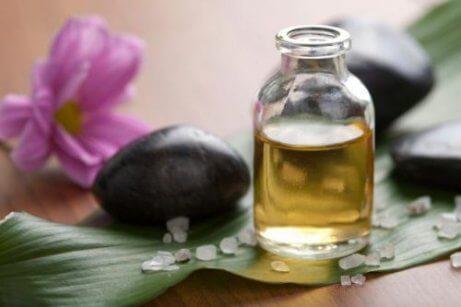 Ätherisches Teebaumöl gegen Schweißfüße!