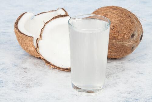 weniger Stress mit Kokoswasser