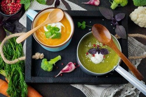 Gemüsesuppen für Detox-Diäten