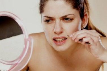 Gesichtsbehaarung bei Frauen - Cushing Syndrom