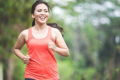 Heißhungerattacke vermeiden durch Bewegung