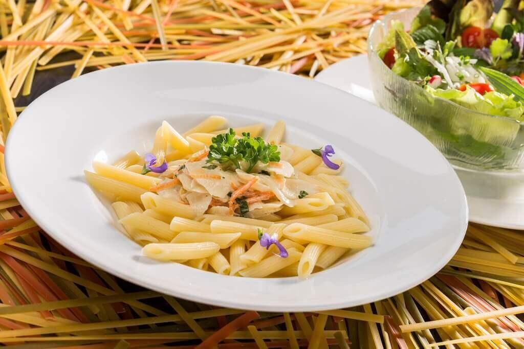 Wie du cremige Pasta ohne Sahne und Käse machst