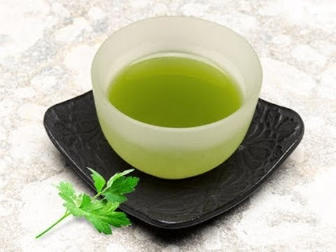 Petersielien-Tee als natüliches Heilmittel gegen Sodbrennen