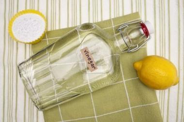 Umweltfreundlicher Glasreiniger Essigessenz