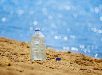Herkunft von Wasser in Plastikflaschen