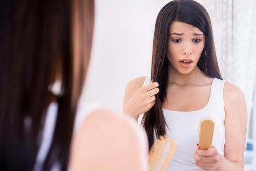 Ursachen für starken Haarausfall