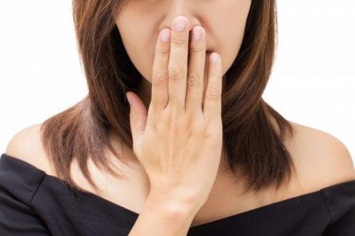 Schlechter Mundgeruch als Anzeichen für Halskrebs