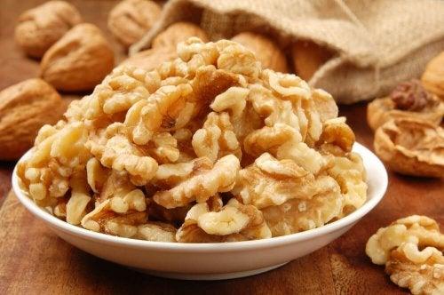 Warum Nüsse gut für den Magen sind und die Gewichtsabnahme fördern