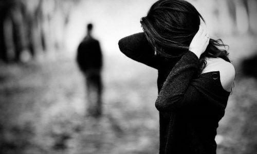 Wie man sein Selbstwertgefühl nach einer Trennung verbessert