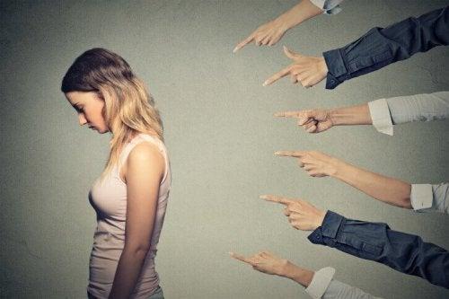 Wie du es vermeidest, dich ständig schuldig zu fühlen
