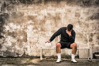 Denke über deine Emotionen nach, um dich nicht schuldig zu fühlen.