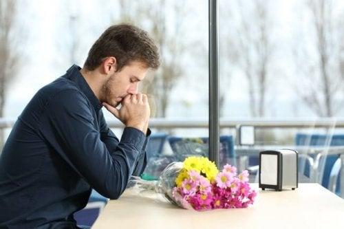 Tipps gegen Traurigkeit: Hör auf an Dinge zu denken, die dich stören