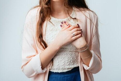 Herzerkrankungen können der Grund für unangenehme Schwellungen sein.
