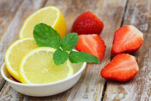 Erdbeer-Zitrone - Entgifte deinen Körper