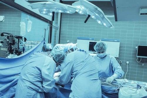 Operation - Behandlung von Darmkrebs