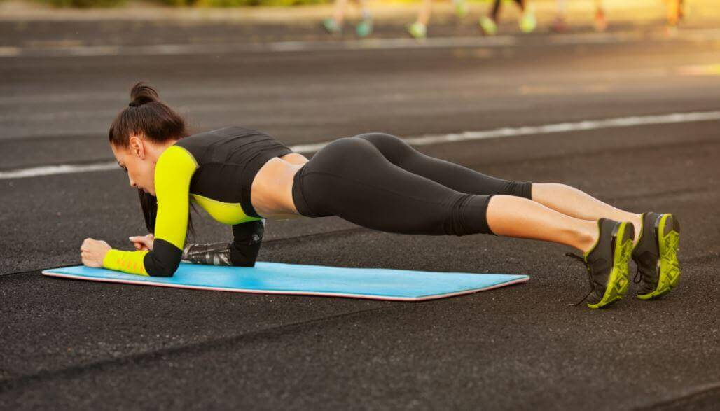 5 einfache Übungen für Zuhause, um in Form zu kommen