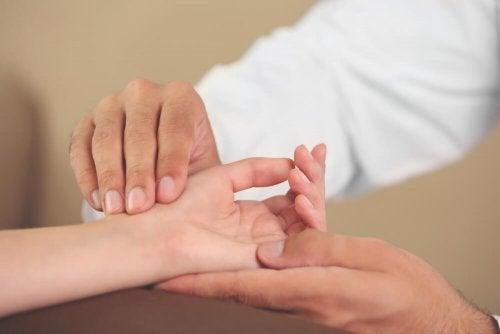 6 Übungen für die Hände gegen unangenehme Beschwerden
