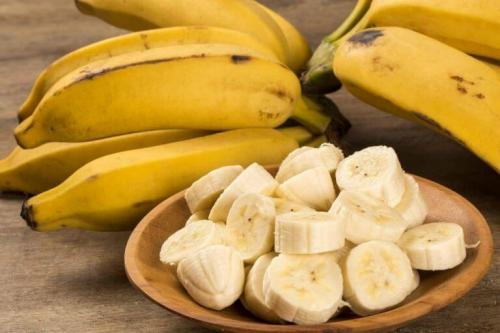 Bananen zählen zu den Lebensmitteln die deine Laune verbessern!