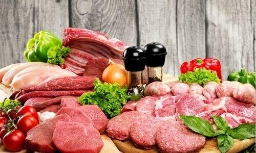 Lebensmittelo, die Kollagen spenden: Fleisch