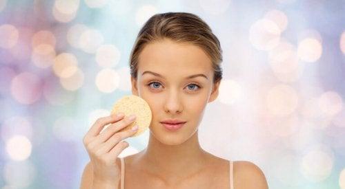 Gesichtswasser als Feuchtigkeitspflege