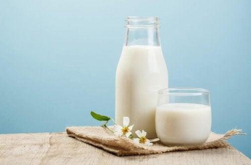 Milch gegen dunkle Hautflecken