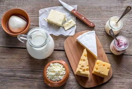 Lebensmittelo, die Kollagen spenden: Milchproduckte