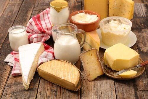 Milchprodukte und Maniok-Brot