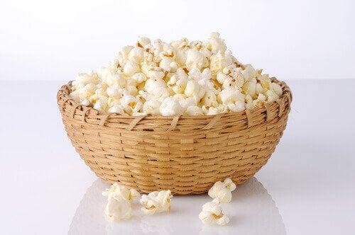 Popcorn und andere Snacks