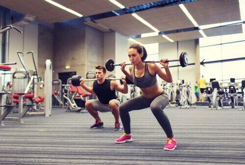 Squat-Übungen, mit Stange