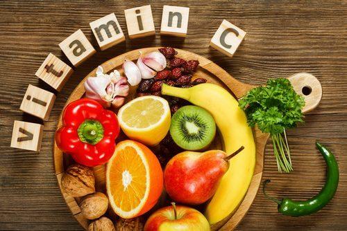 Vitamine für die Haut aus Obst, Gemüse und Nüssen