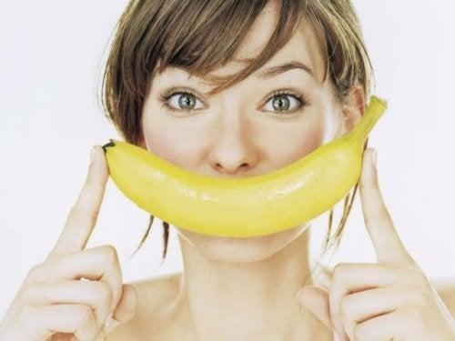 Bananenschale für weißere Zähne