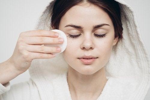 Schmink-Tipps für Anfängerinnen: Augenringe korrigieren