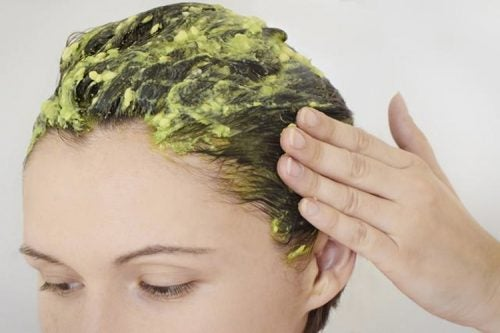 Natürliche Maske für gesunde Kopfhaut