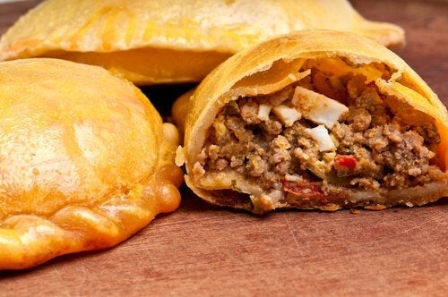 Wie sind Empanadas mit Fleisch oder Huhn