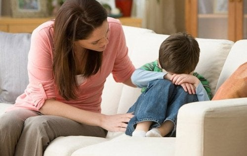 Menschen, die als Kinder nicht geliebt wurden, haben, Probleme, Beziehungen einzugehen und Gefühle auszudrücken