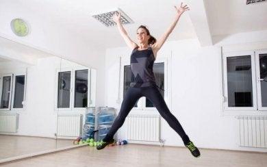 Übungen für Herzkreislauf-Training: Springen
