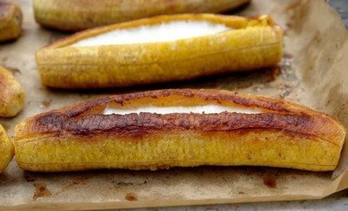 Gefüllte Kochbananen